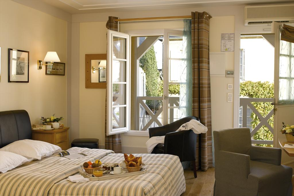 Best small hotel, chateau, Normandy