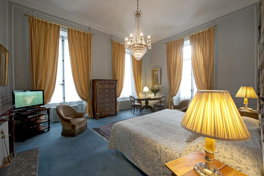 Junior suite, French chateau hotel