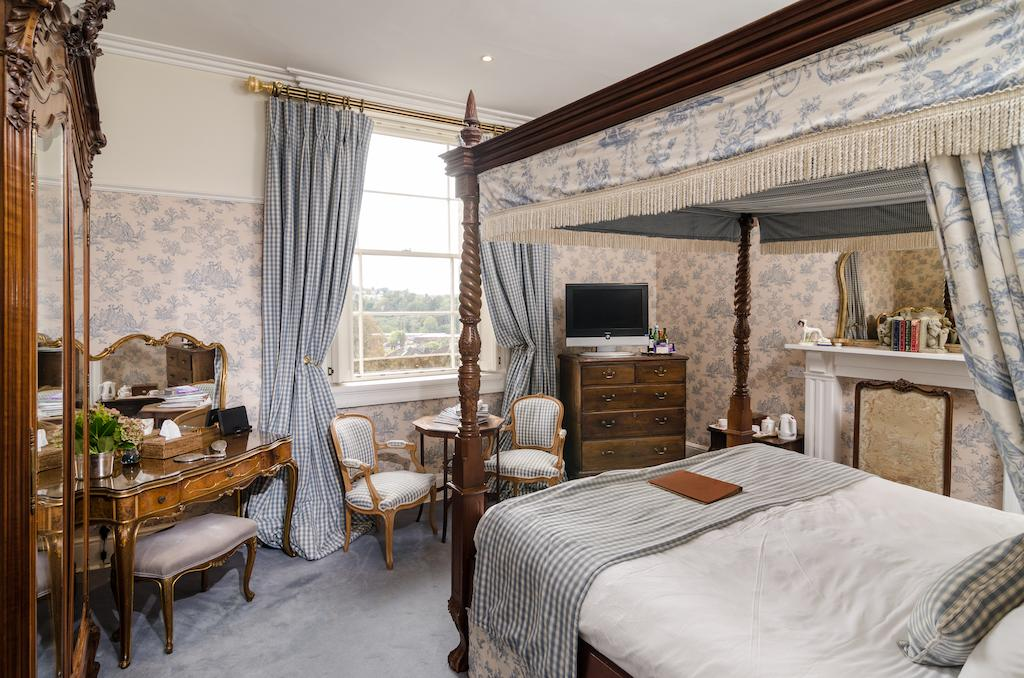 Deluxe room with antique furniture