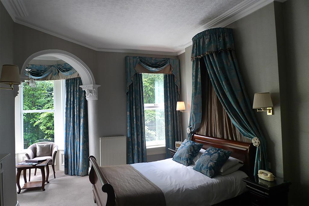 Turret room, Ascot House Hotel