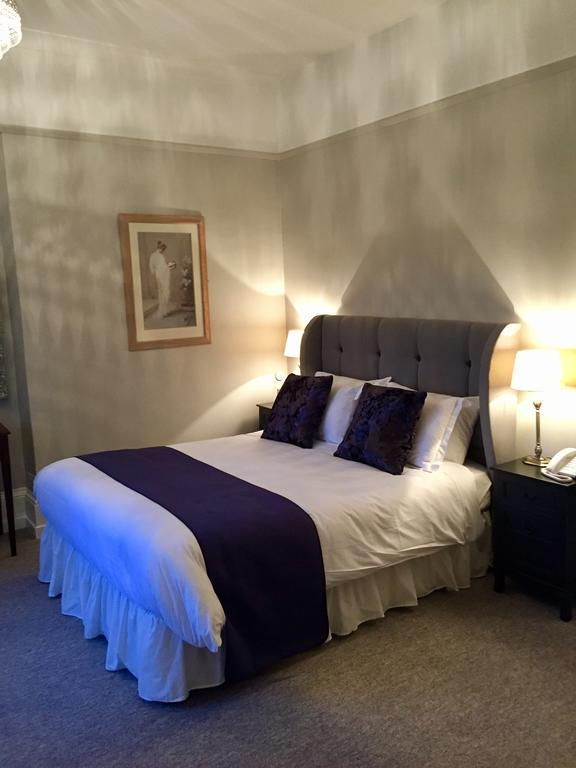 Double room, Glewstone Court Hotel