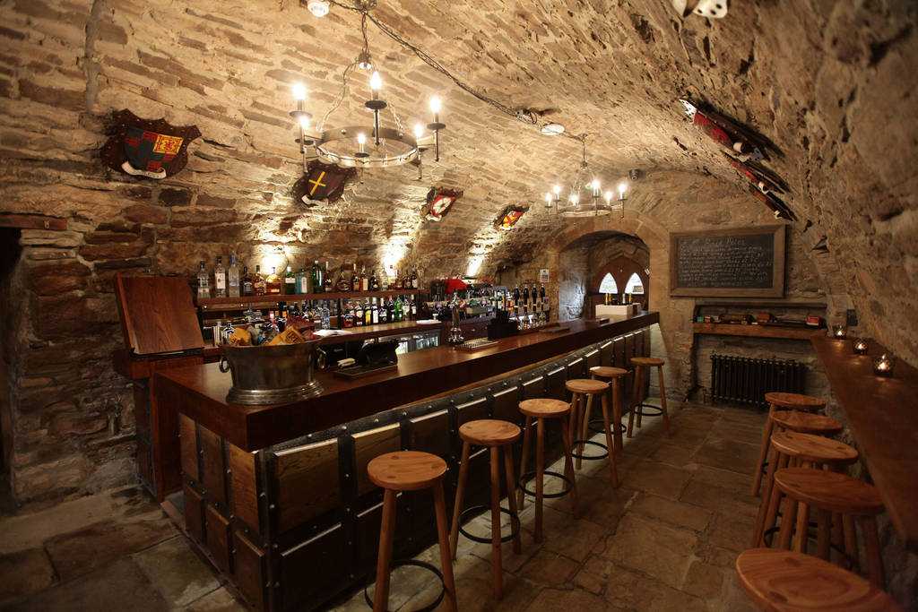 Crypt bar, hotel in Northumberland