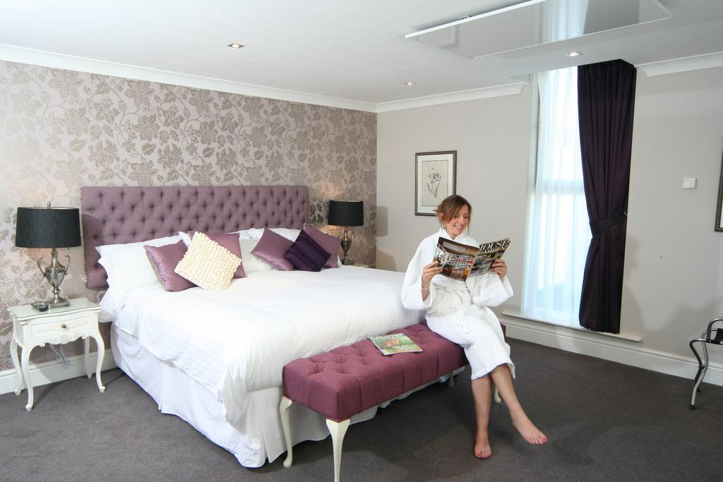 Executive double room, Maesmawr Hall