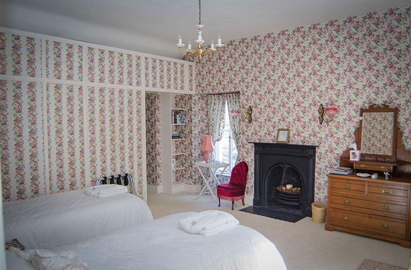 The Rose Room, twin beds